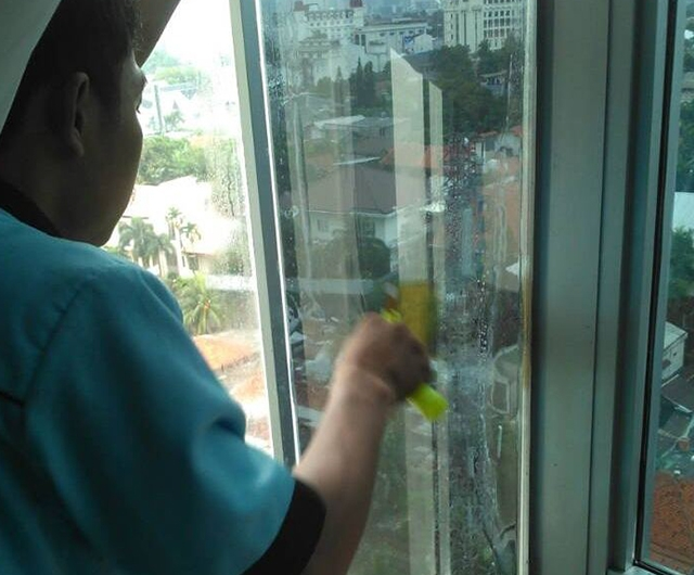 Proses Pemasangan Kaca Film Apartment Sake 10 80%