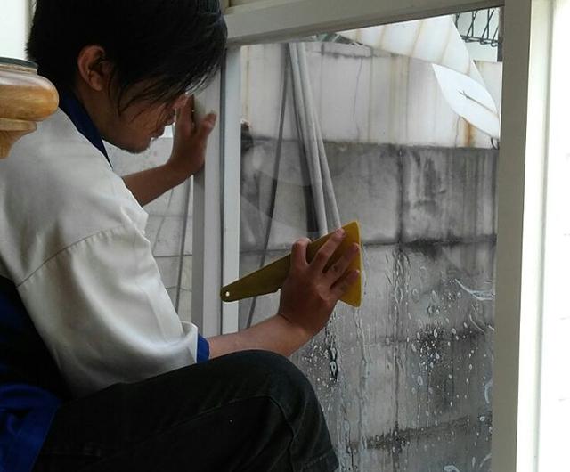 Proses Pengeringan Kaca Film Rumah