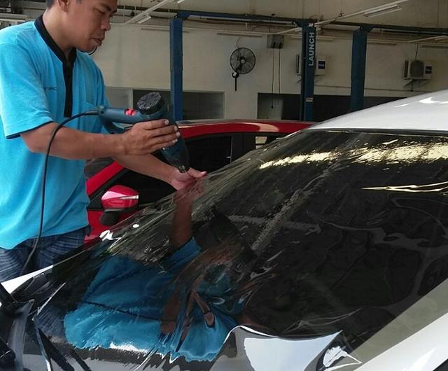 Proses Mal Kaca Film Renzu Mint 45 30% Mobil Mazda Biante