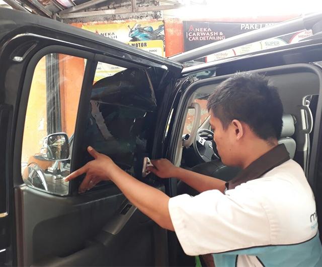 Proses Mal Kaca Film Renzu 15 Mobil Nissan Navara
