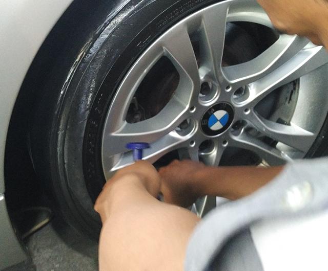 PROSES DETAILING VELG <b>BMW SERI 5</b>